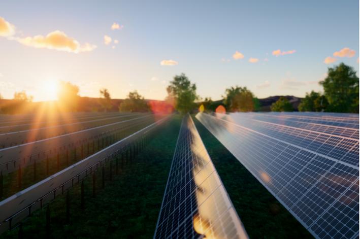 O QUE É ENERGIA SOLAR E COMO ELA FUNCIONA?